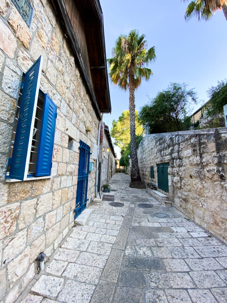 visit the neighborhoods of jerusalem