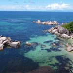המדריך לפרלין האי השני בגודלו בסיישל: גן עדן למטיילים